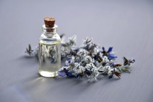 huile essentielle soigner psoriasis